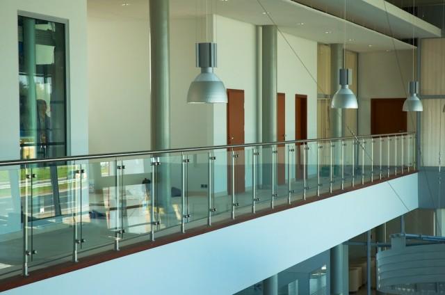 Balustrada ze stali nierdzewnej i szkła
